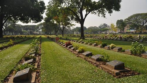 green cemetery grass river thailand nikon war outdoor dslr kanchanaburi 2012 kwai d5000