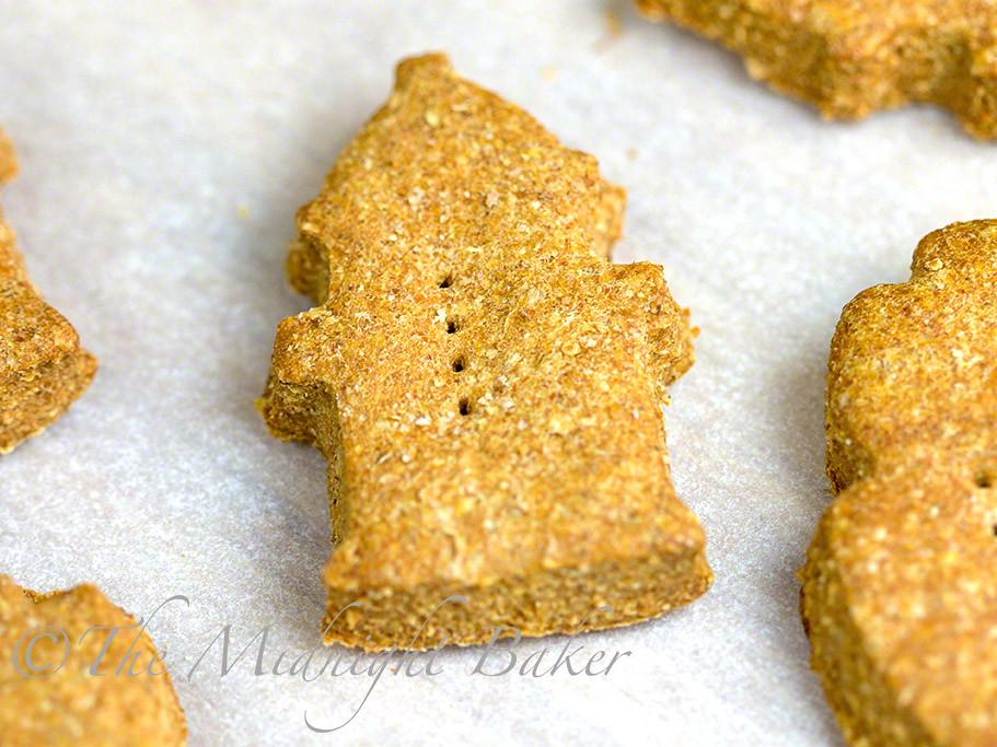 Copycat Milkbone Dog Biscuits #DogBiscuitRecipe #MilkboneCopycat #DogTreats