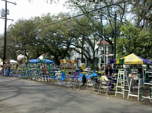 Lundi Gras neutral ground