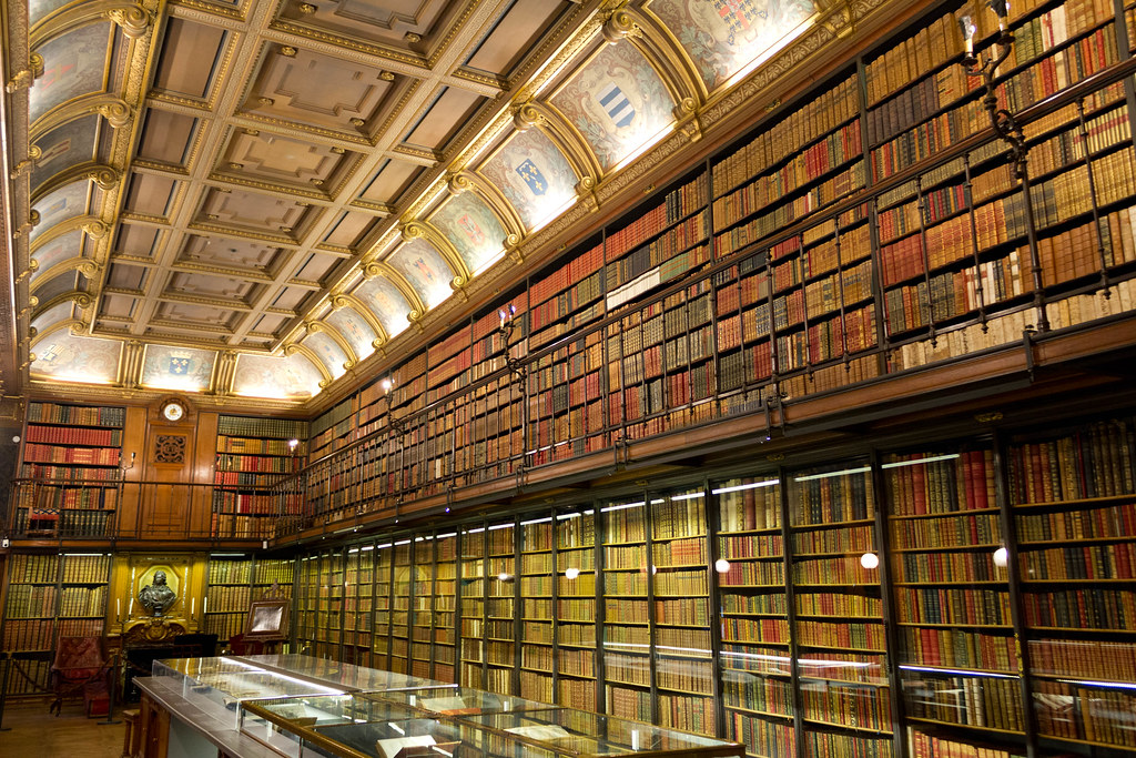 Modeste bibliothèque