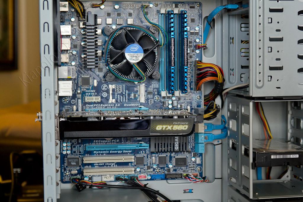 IMAGE: http://farm8.staticflickr.com/7059/6783673280_37fb75592a_b.jpg