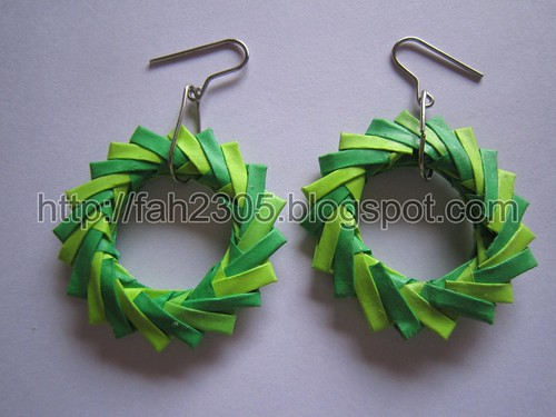 Paper Jewelry - Handmade Origami Wreath Earrings (Green) by fah2305