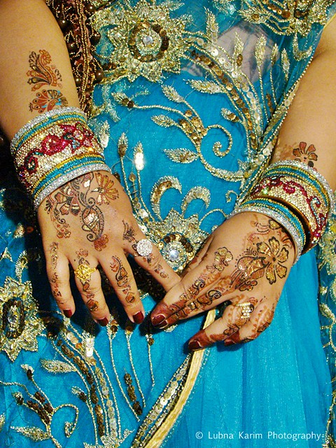 Mehendi - Indian Tattoo hands with Hyderabadi Bangles