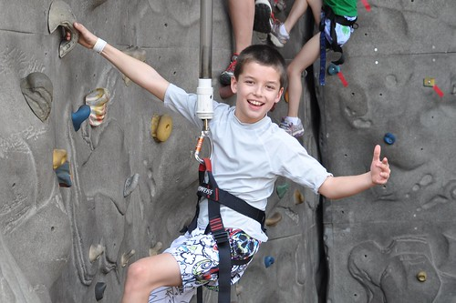 Carson gives rock wall climbing a thumbs-up