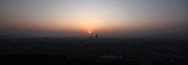Pano Lyon Sunrise