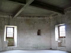 Septmonts (intérieur donjon) salle supérieure 6231