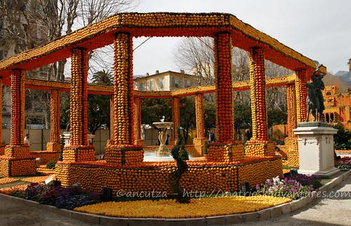Festa del limone mentone anfiteatro romano creato con arance e limoni
