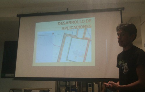 Ruben presenting on his work opening data with the local municipal government in Ayacucho.
