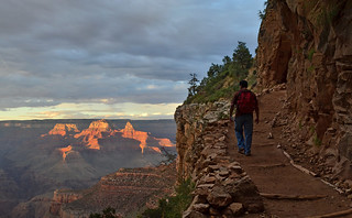 Grand Canyon National Park: Bright Angel Trail - Sunset 0162