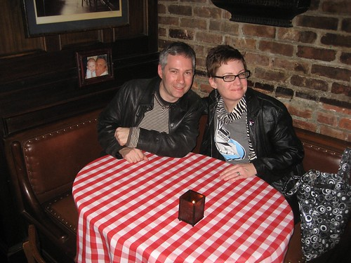 RetroManNYC & ModBetty at the Sinatra Table