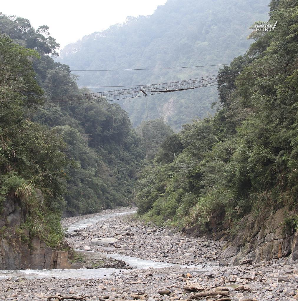 多望溪和其上的吊橋