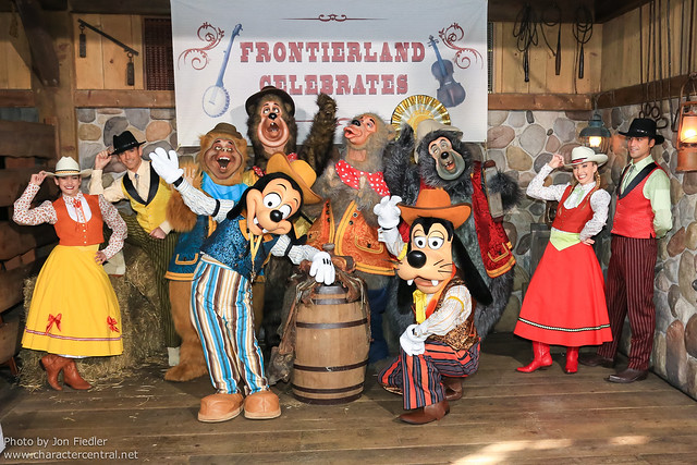 DLP April 2012 - Meeting the stars of Frontierland Celebrates!