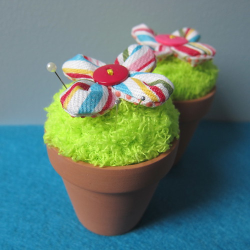 Iron Craft Challenge #5 - Flower Pot Pincushion