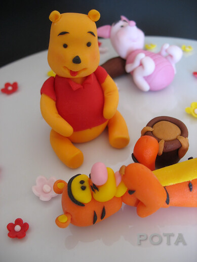 décoration winnie l ours pour le gâteau