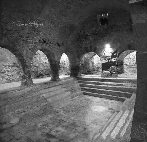 Termes romanes a Caldes de Montbui by Queralt Vegas