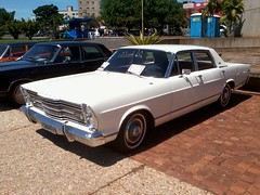 ford galaxie(0.0), convertible(0.0), automobile(1.0), automotive exterior(1.0), executive car(1.0), vehicle(1.0), full-size car(1.0), compact car(1.0), antique car(1.0), sedan(1.0), land vehicle(1.0), luxury vehicle(1.0),