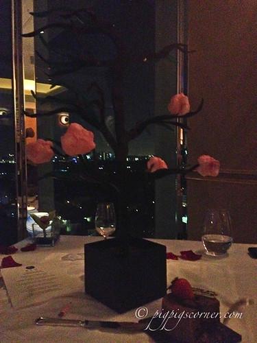 Blu, Shangri-La Hotel Singapore petit four