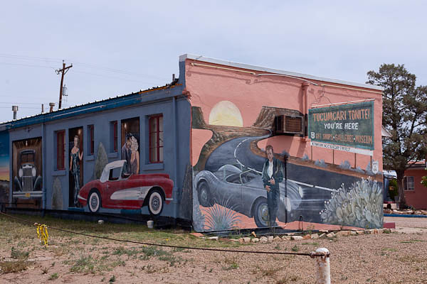 You're Here - Historic Route 66 Motel and Murals