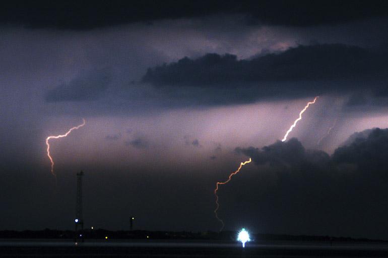 web_lightning_sullivansisland_0031