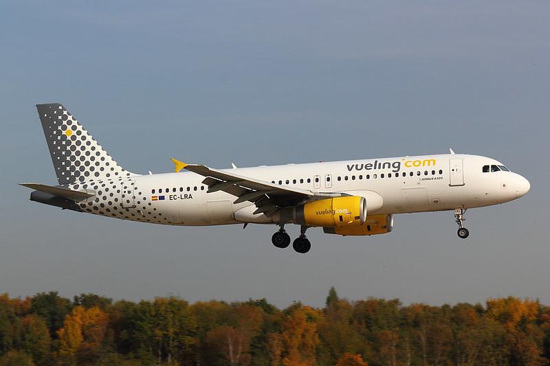 Vueling - A320 - EC-LRA