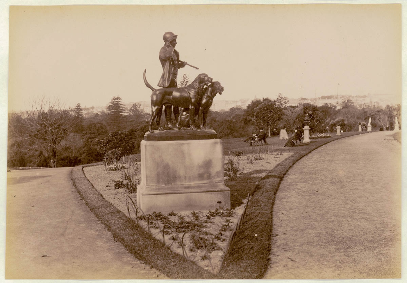 Botanical Gardens, Sydney, [showing Hunstman and Dogs sculpture] c. 1900-1910