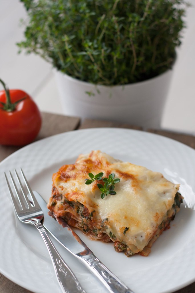 Chicken Lasagna with Spinach, Cottage Cheese and Béchamel Sauce