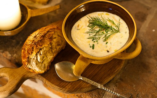 glad estlander, fish soup and bread