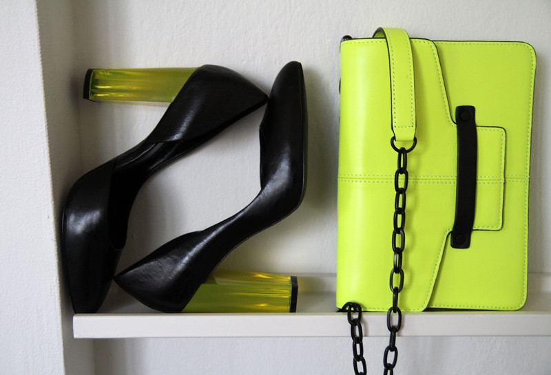 Werelse shoes and bag for Mango Touch Carolina Engman.jpg