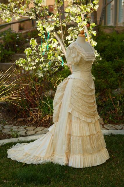 tiny wedding dress bustle