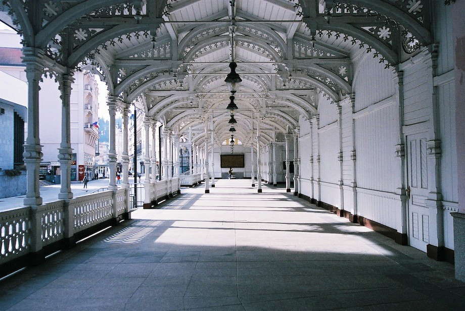 市場溫泉迴廊