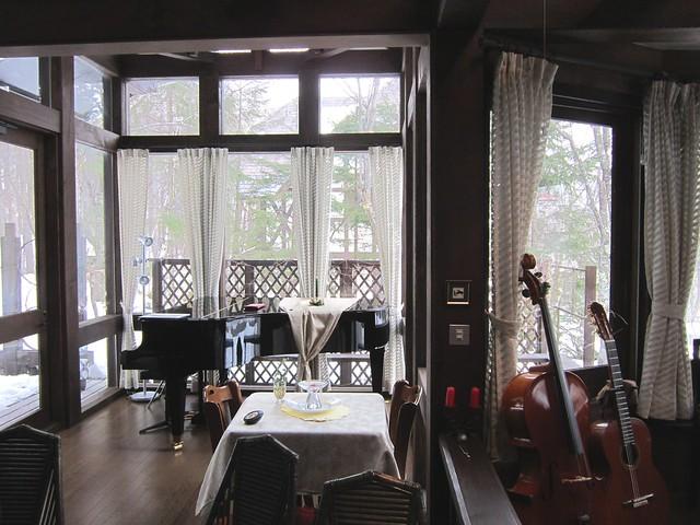 Photo:ペンション「優しい時間」の食堂とピアノ 2012年2月13日 By Poran111