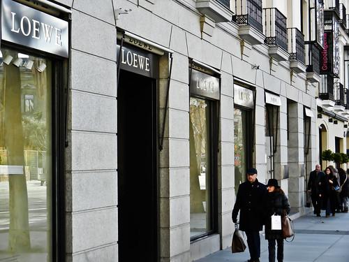 Calle de serrano compra en madrid espa a gu a de viaje - Calle serrano 55 madrid ...