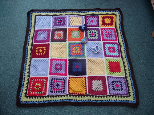 This is a beautiful Blanket, gorgeous Granny Squares!
