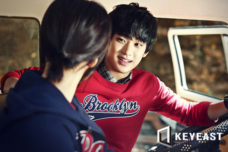 Kim Soo Hyun KeyEast Official Photo Collection 20110830_ksh_08