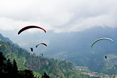 powered paragliding(0.0), paragliding(1.0), air sports(1.0), sports(1.0), windsports(1.0), extreme sport(1.0),
