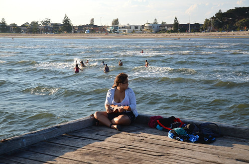 Playing Guitar on Altona Pier 01