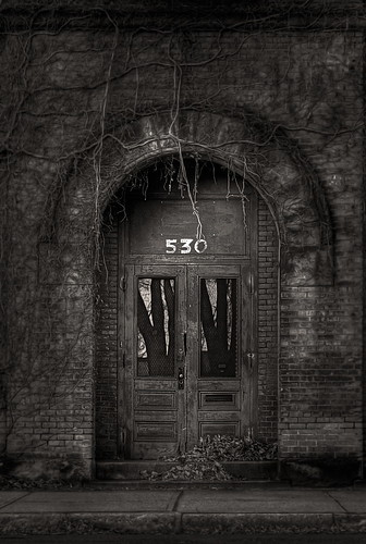 mill vines factory massachusetts doorway holyoke pretoebranco hdr unused industrialdecay arched