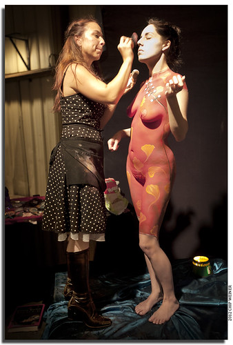 Lorrin Wagner body paints Angela