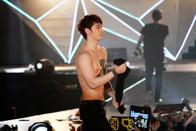 2PM - 2012 Hands Up Asia Tour - Hong Kong Chansung topless