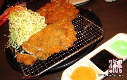 Tongkatsu (Breaded deep-fried pork cutlet)