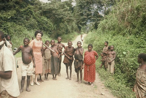 People 1960 East Africa Uganda The Ruwenzori - Pygmy tribe with 5ft Hilda Dixon
