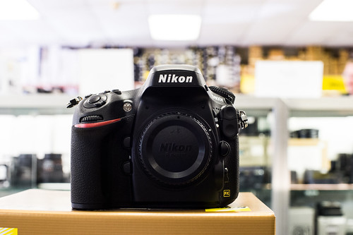 Nikon D800E Unboxing and Sniff