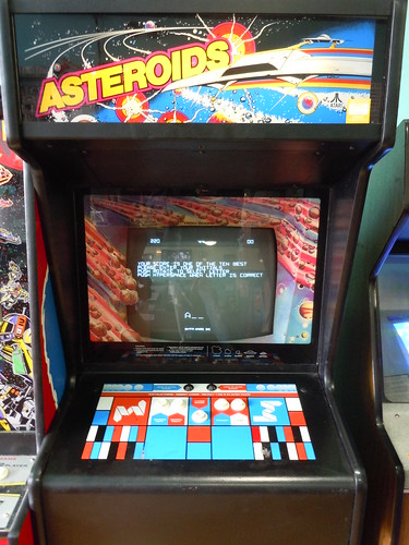 04-21-12 Rusty Quarters Arcade, Minneapolis, MN (Asteroids)