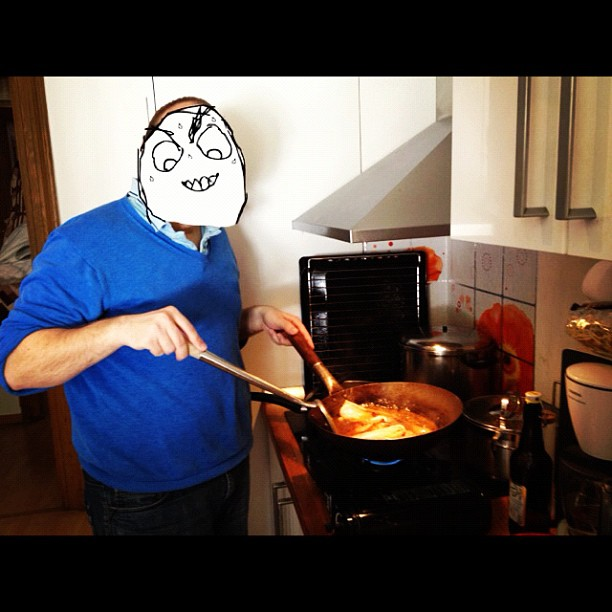 Le derp cooking le Chinese food.