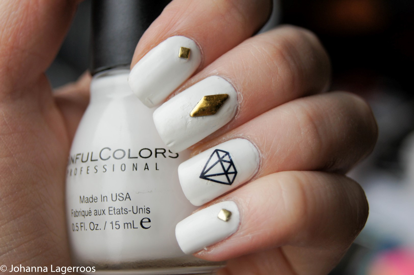 Gold stud nails