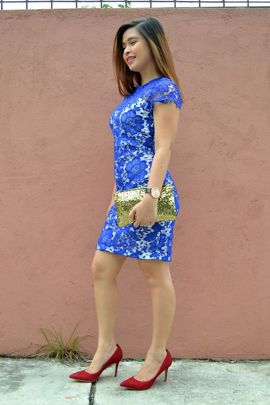 blue lace dress, red pumps