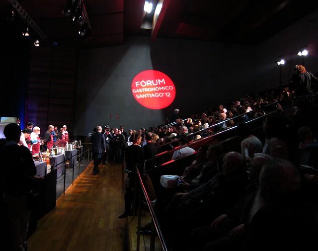 Fórum gastronómico 2012. Auditorio no concurso de pulpeiras, 26 de febreiro de 2012