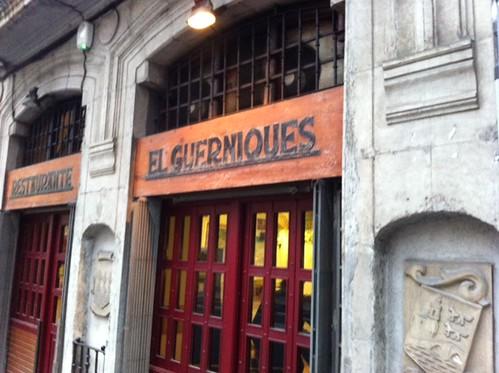 Cafe en el Restaurante El Guerniques de Bilbao by LaVisitaComunicacion