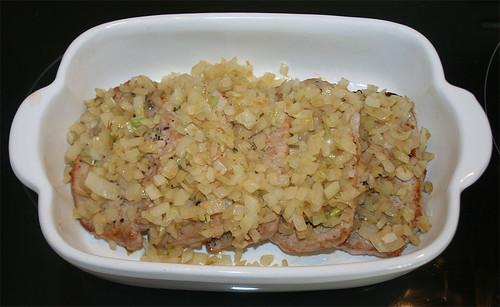 16 - Mit Zwiebeln belegen / Cover with onions