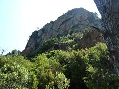 Sous l'aiguille 761m : le chaos rocheux de départ de la montée vers le col 750m au Nord de l'aiguille